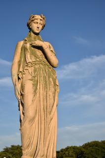 タワーパークの女神像