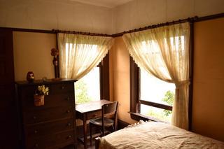 寝室の窓から入鹿池