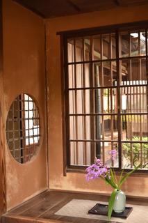 蝸牛庵の玄関